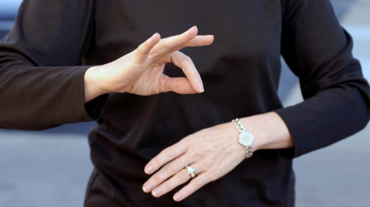 Studenții de la UMF vor învăța limbajul semnelor