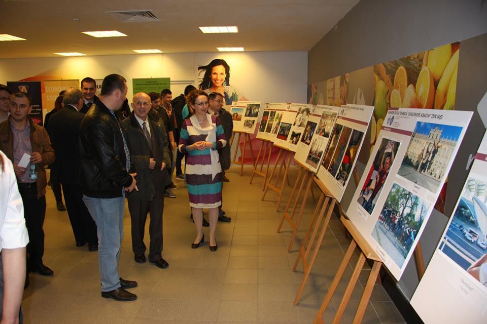Vernisajul expozitiei a avut loc la Iulius Mall