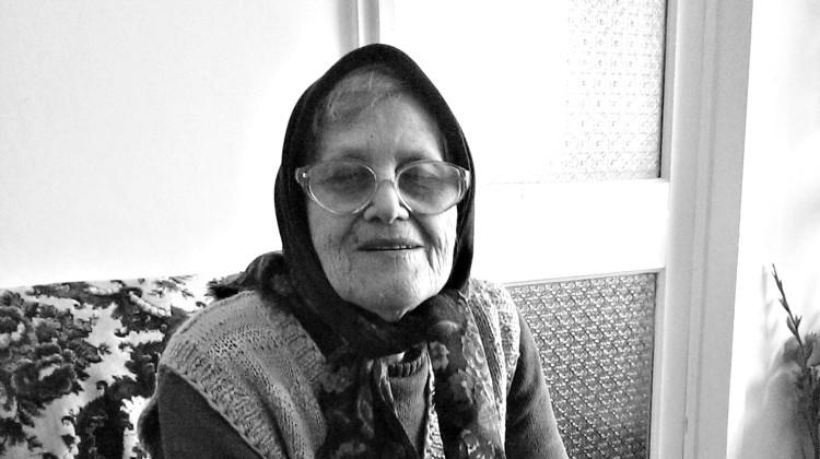 Tanti Olguța păstrează și astăzi obieciurile pascale